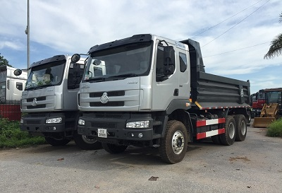 Bất ngờ với chất lượng của xe tải 3 chân Chenglong 2