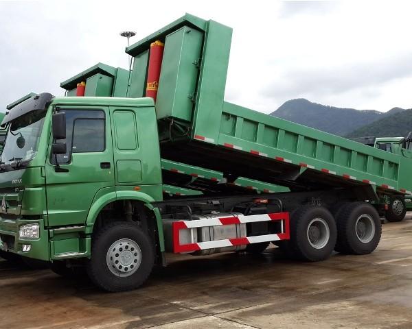 Nên mua xe tải howo 3 chân hay 4 chân? 1