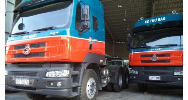 Xe đầu kéo Chenglong 340 rộng rãi và hiện đại 2