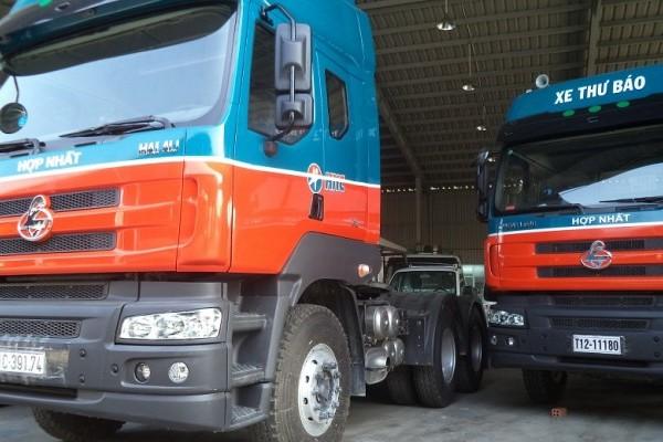 Xe đầu kéo Chenglong 340 rộng rãi và hiện đại