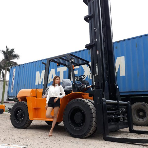 Xe nâng hàng 10 tấn sự lựa chọn hàng đầu cho công việc của bạn