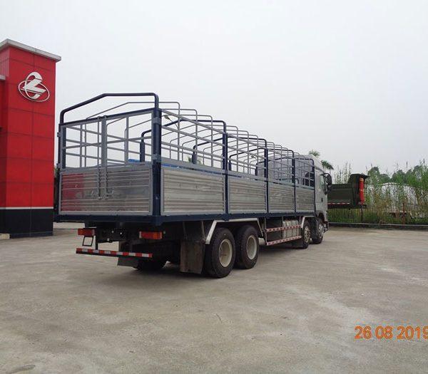 Xe tải chenglong 4 chân- Xuất xứ và những ưu điểm